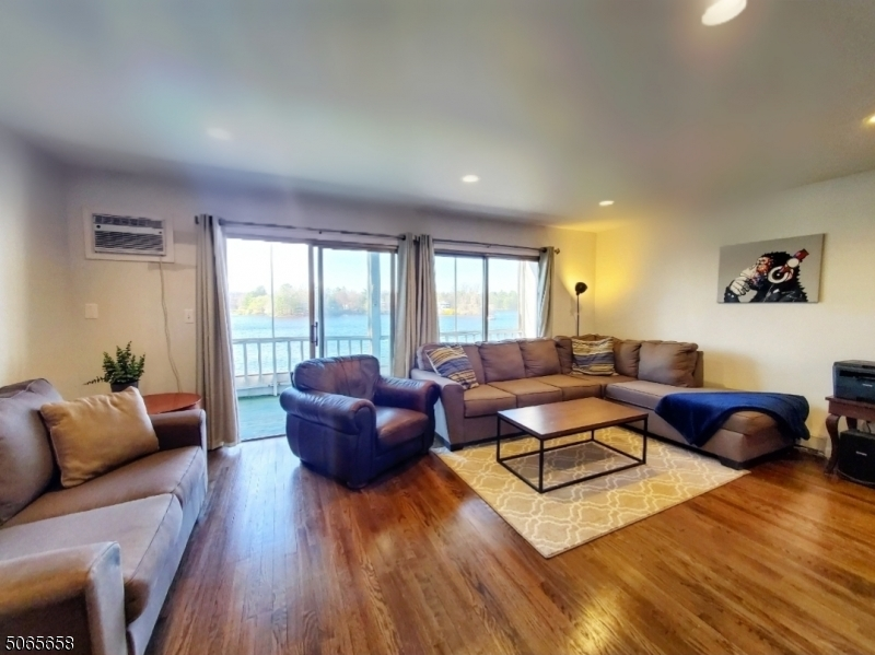 362b SHORE DR, Montague Twp., New Jersey 07827, 3 Bedrooms Bedrooms, ,2 BathroomsBathrooms,Residential,For Sale,362b SHORE DR,3707312