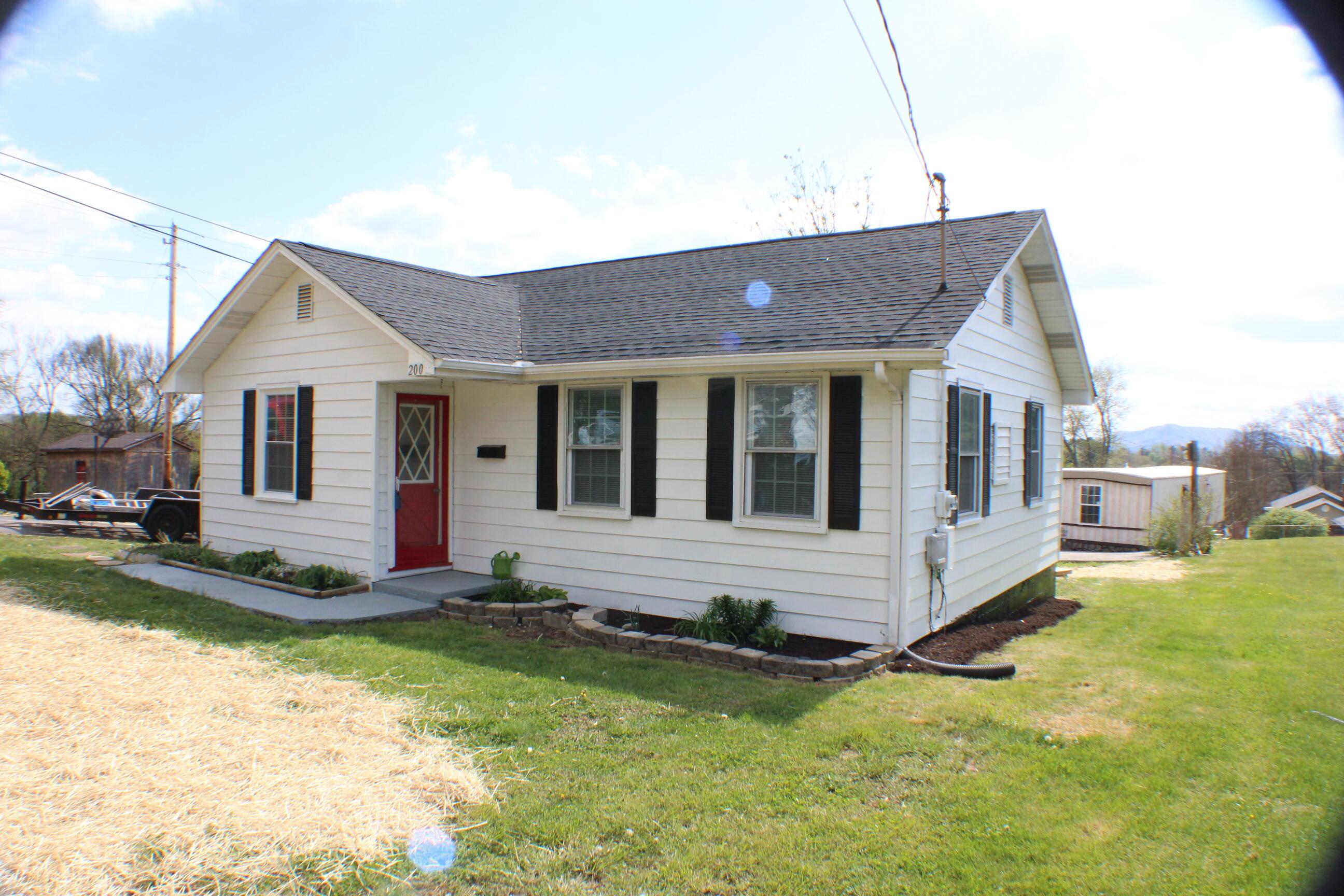 200 Alabama Street, Kingsport, Tennessee 37660, 3 Bedrooms Bedrooms, ,1 BathroomBathrooms,Single Family,For Sale,200 Alabama Street,1,9921355