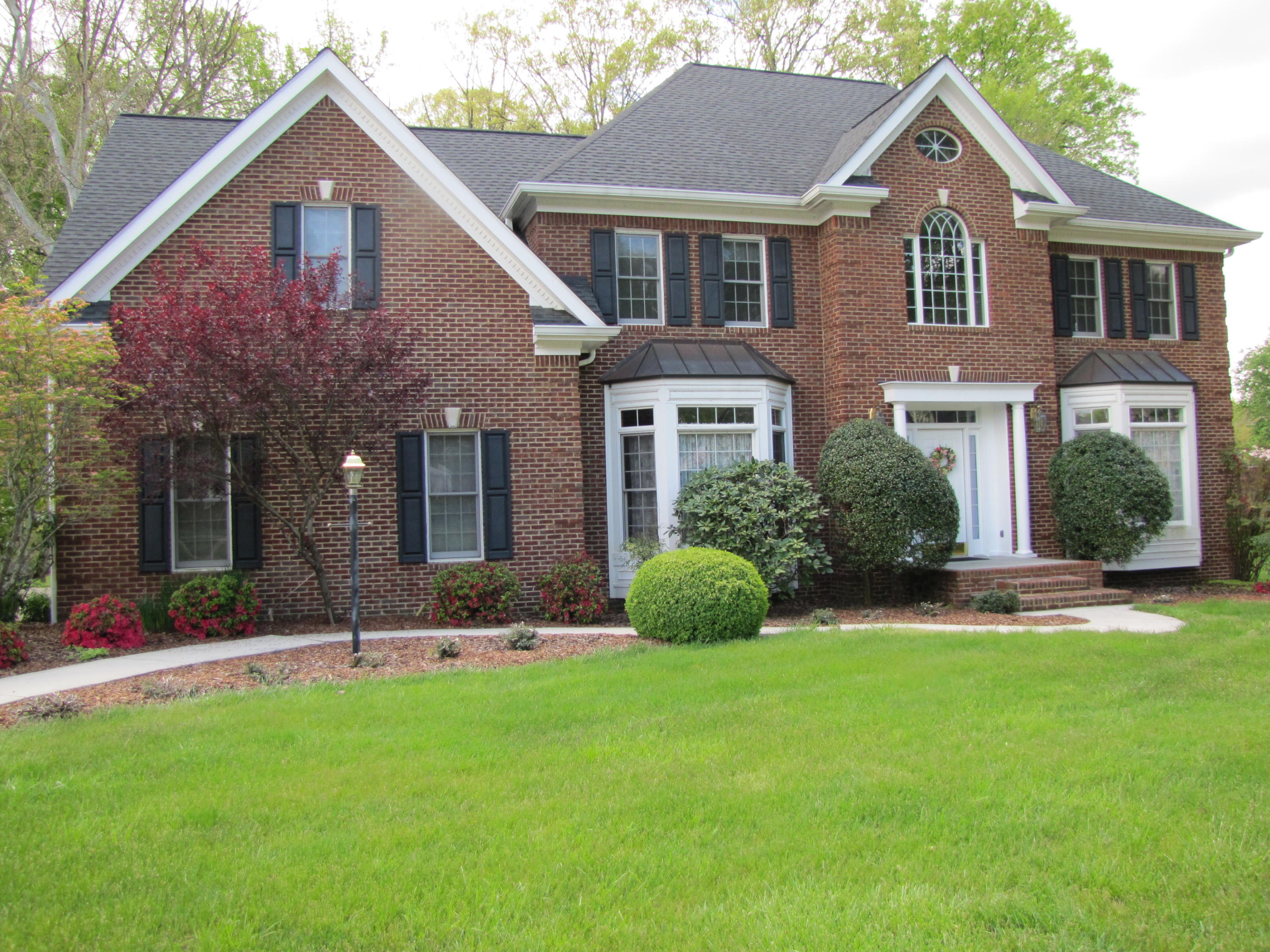 100 Chippendale Square, Kingsport, Tennessee 37660, 4 Bedrooms Bedrooms, ,5 BathroomsBathrooms,Single Family,For Sale,100 Chippendale Square,2,9921472