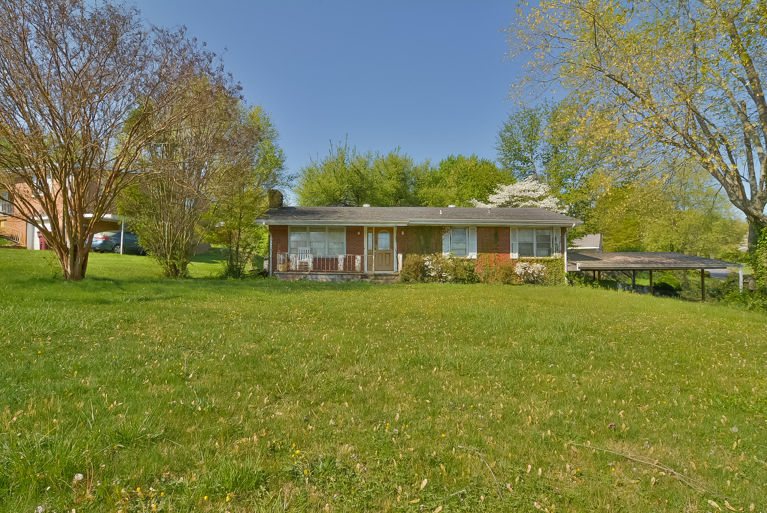 1715 East Oakland Avenue, Johnson City, Tennessee 37601, 2 Bedrooms Bedrooms, ,2 BathroomsBathrooms,Single Family,For Sale,1715 East Oakland Avenue,9921383