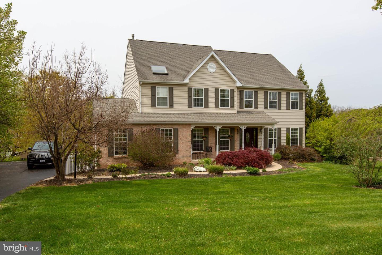 408 SILVER LEAF CIR, COLLEGEVILLE, Pennsylvania 19426, 4 Bedrooms Bedrooms, ,4 BathroomsBathrooms,Single Family,For Sale,408 SILVER LEAF CIR,PAMC690074
