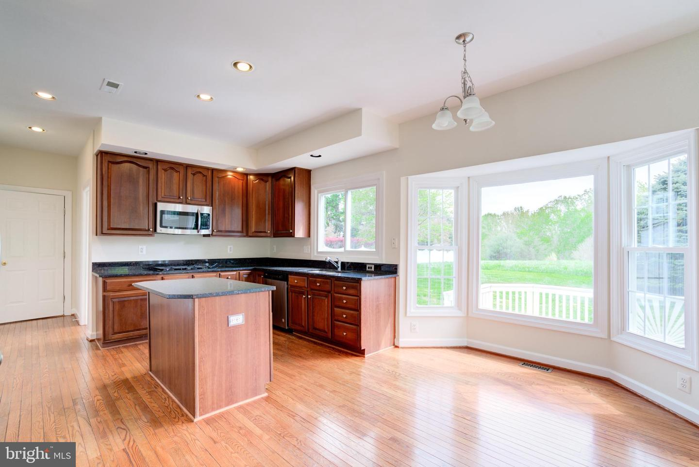 12901 BUCKEYE DR, GAITHERSBURG, Maryland 20878, 4 Bedrooms Bedrooms, ,5 BathroomsBathrooms,Single Family,For Sale,12901 BUCKEYE DR,MDMC748570
