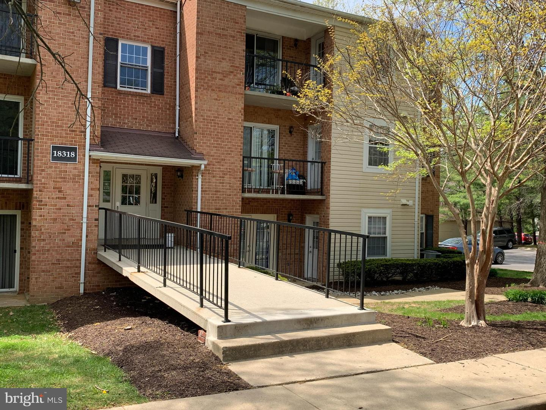 18318 STREAMSIDE DR #103, GAITHERSBURG, Maryland 20879, 2 Bedrooms Bedrooms, ,2 BathroomsBathrooms,Common Interest,For Sale,18318 STREAMSIDE DR #103,MDMC754970