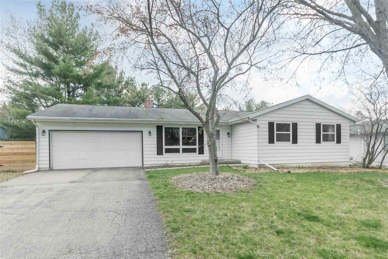 3006 Shefford Dr, MADISON, Wisconsin 53719, 3 Bedrooms Bedrooms, ,2 BathroomsBathrooms,Single Family,For Sale,3006 Shefford Dr,1,1906042