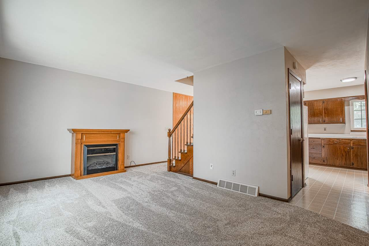 1549 Ivory Dr, Sun Prairie, Wisconsin 53590, 3 Bedrooms Bedrooms, ,2 BathroomsBathrooms,Townhouse,For Sale,1549 Ivory Dr,1907061
