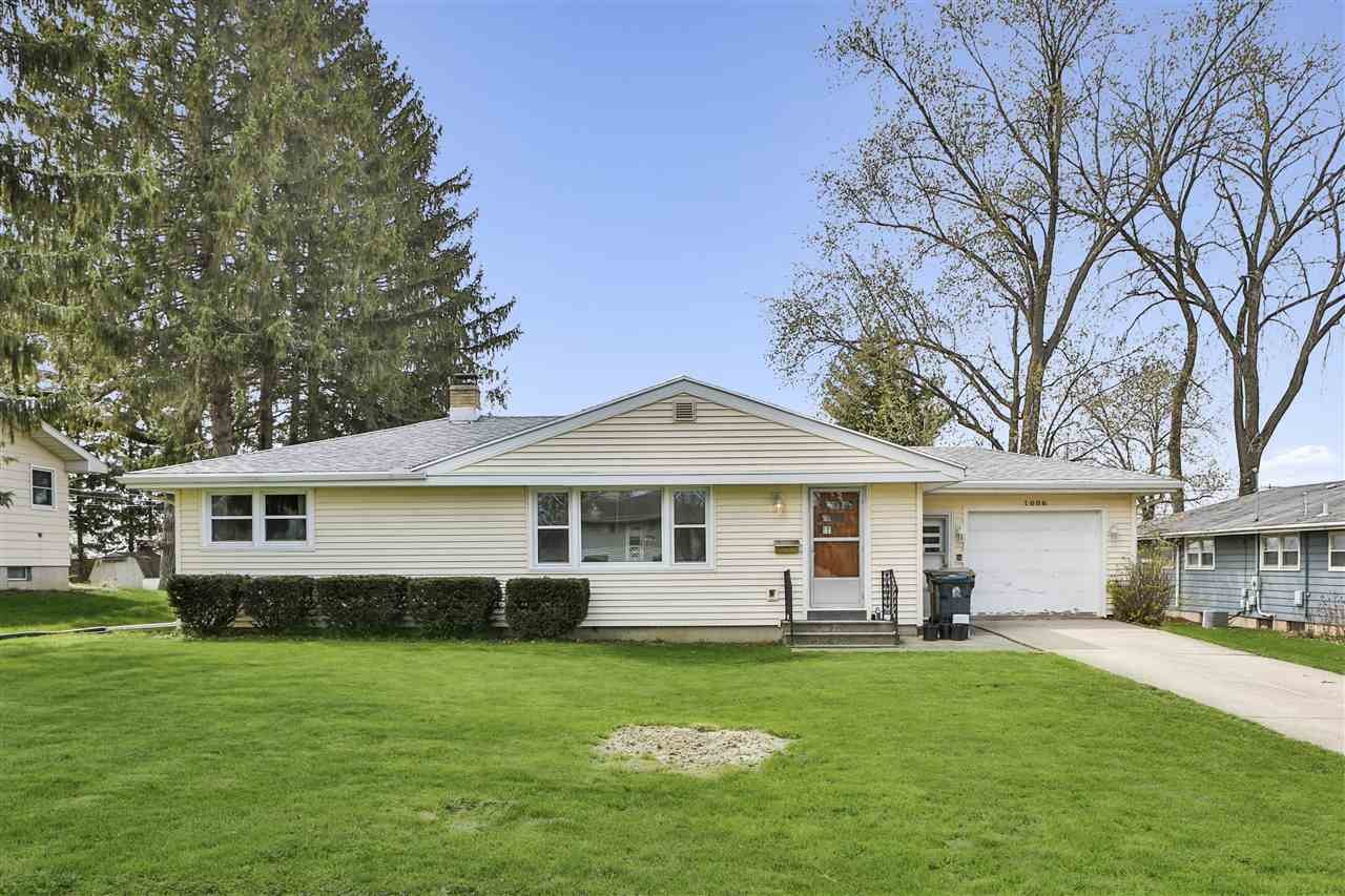 1006 Vernon Ave, MADISON, Wisconsin 53716, 3 Bedrooms Bedrooms, ,2 BathroomsBathrooms,Single Family,For Sale,1006 Vernon Ave,1,1907089