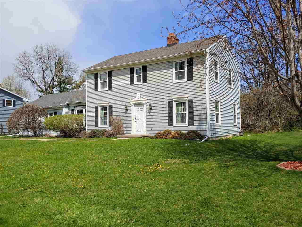 5760 Pembroke Dr, Fitchburg, Wisconsin 53711, 3 Bedrooms Bedrooms, ,2 BathroomsBathrooms,Single Family,For Sale,5760 Pembroke Dr,2,1906941