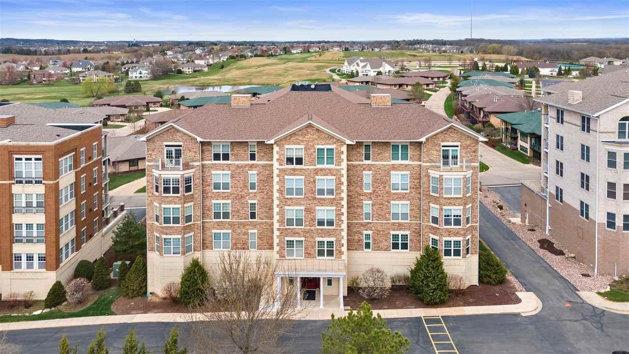9213 Crosswinds Lane, Verona, Wisconsin 53593, 2 Bedrooms Bedrooms, ,2 BathroomsBathrooms,Condominium,For Sale,9213 Crosswinds Lane,1907143