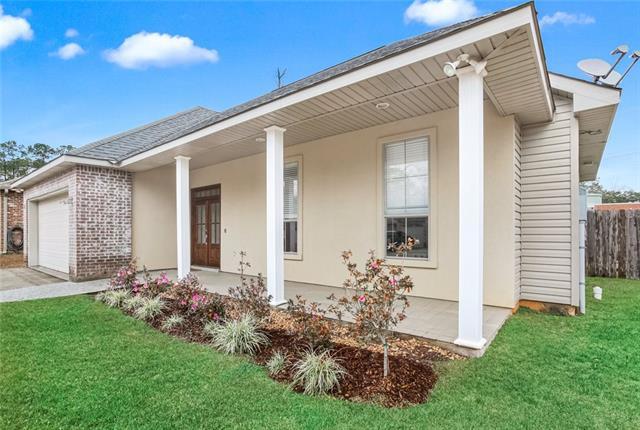209 STONEBRIDGE Cove, Madisonville, Louisiana 70447, 3 Bedrooms Bedrooms, ,2 BathroomsBathrooms,Single Family,For Sale,209 STONEBRIDGE Cove,1,2295210