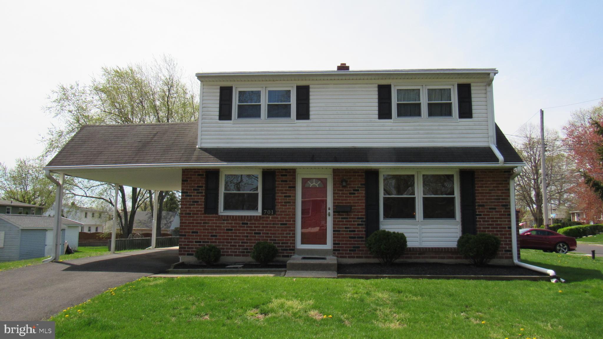 701 CYPRESS STREET, LANSDALE, Pennsylvania 19446, 4 Bedrooms Bedrooms, ,2 BathroomsBathrooms,Single Family,For Sale,701 CYPRESS STREET,PAMC690688