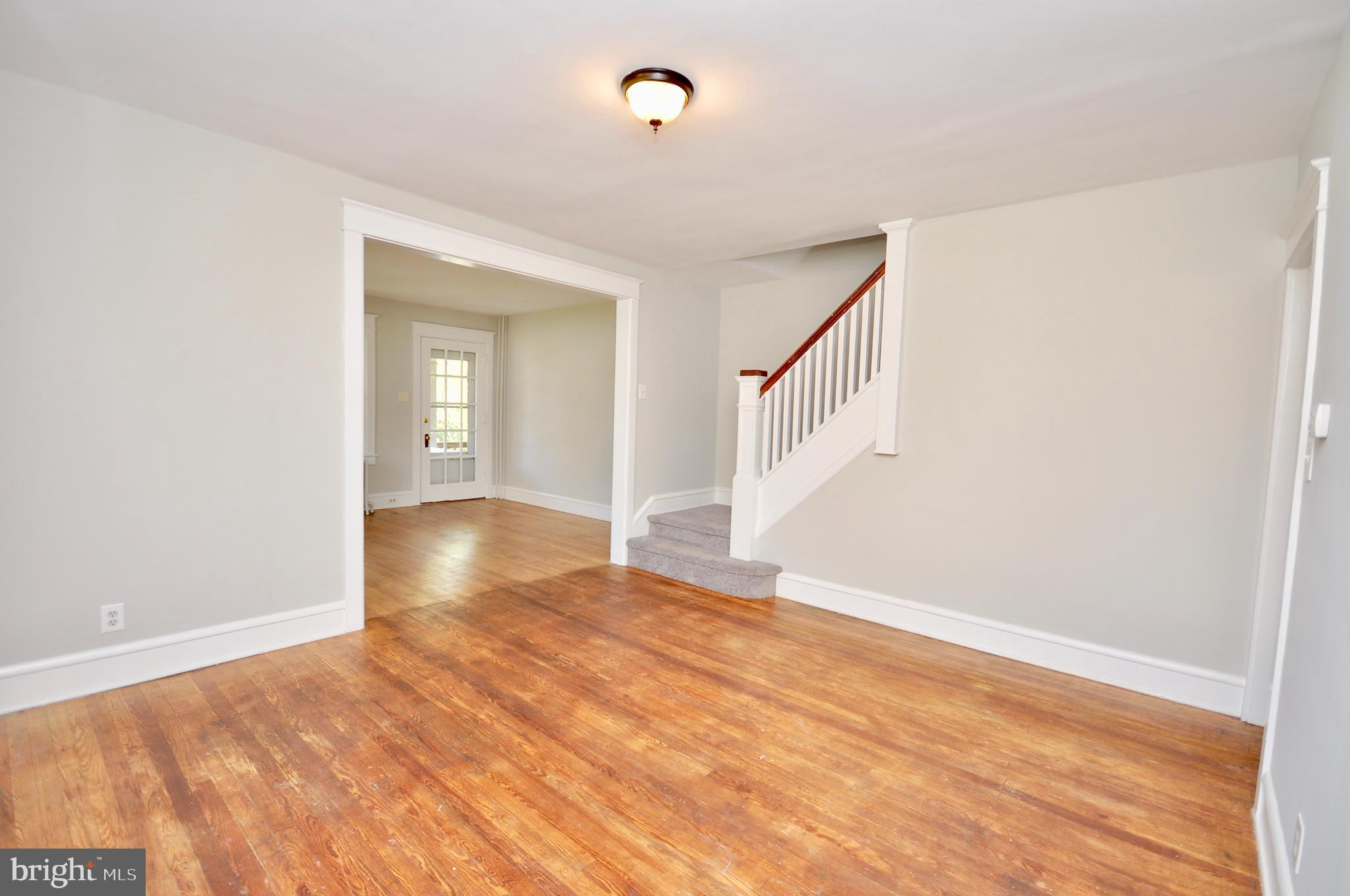 860 W 3RD STREET, LANSDALE, Pennsylvania 19446, 3 Bedrooms Bedrooms, ,1 BathroomBathrooms,Townhouse,For Sale,860 W 3RD STREET,PAMC690374