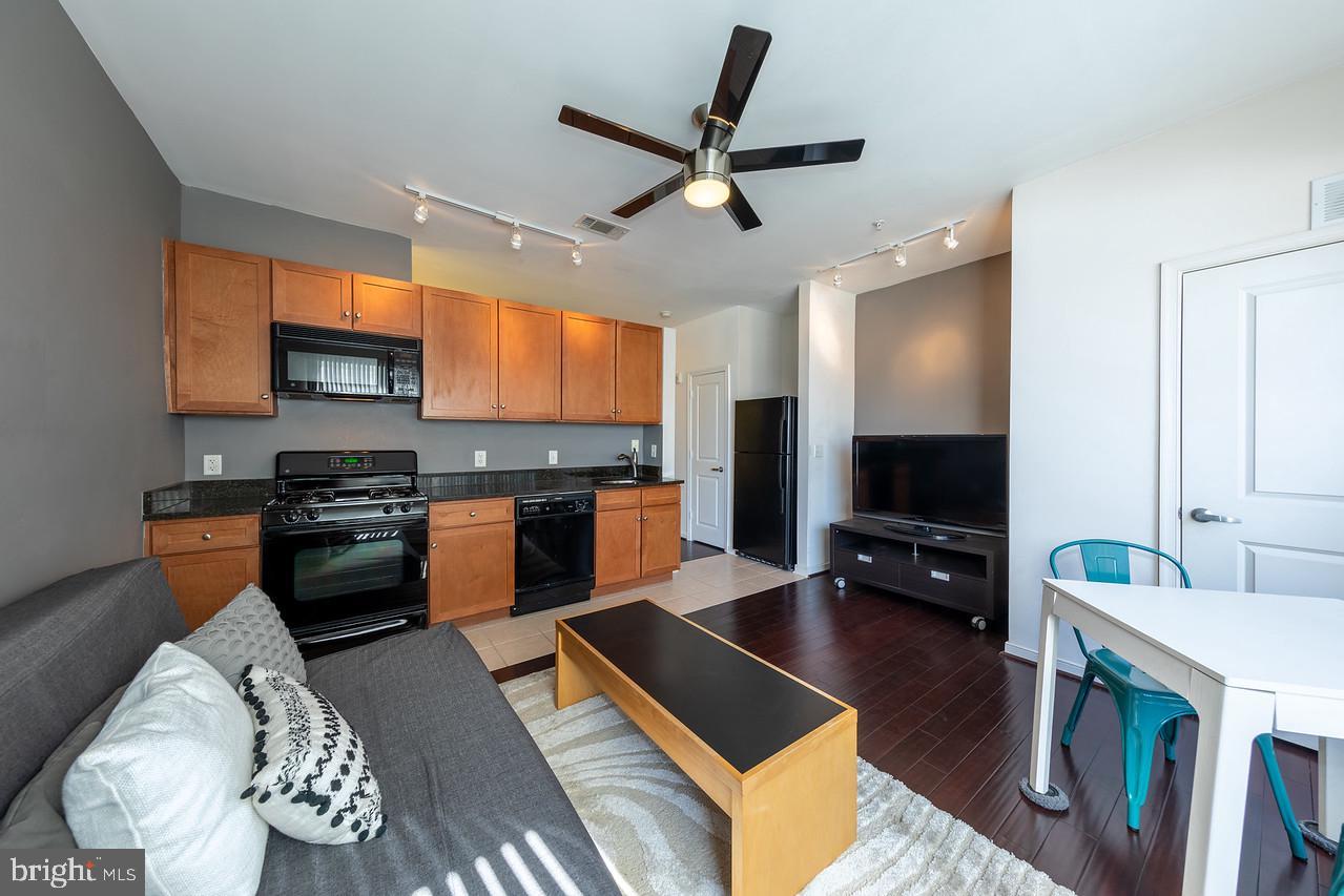 8045 NEWELL STREET, SILVER SPRING, Maryland 20910, 1 Bedroom Bedrooms, ,1 BathroomBathrooms,Condominium,For Sale,8045 NEWELL STREET,MDMC754596