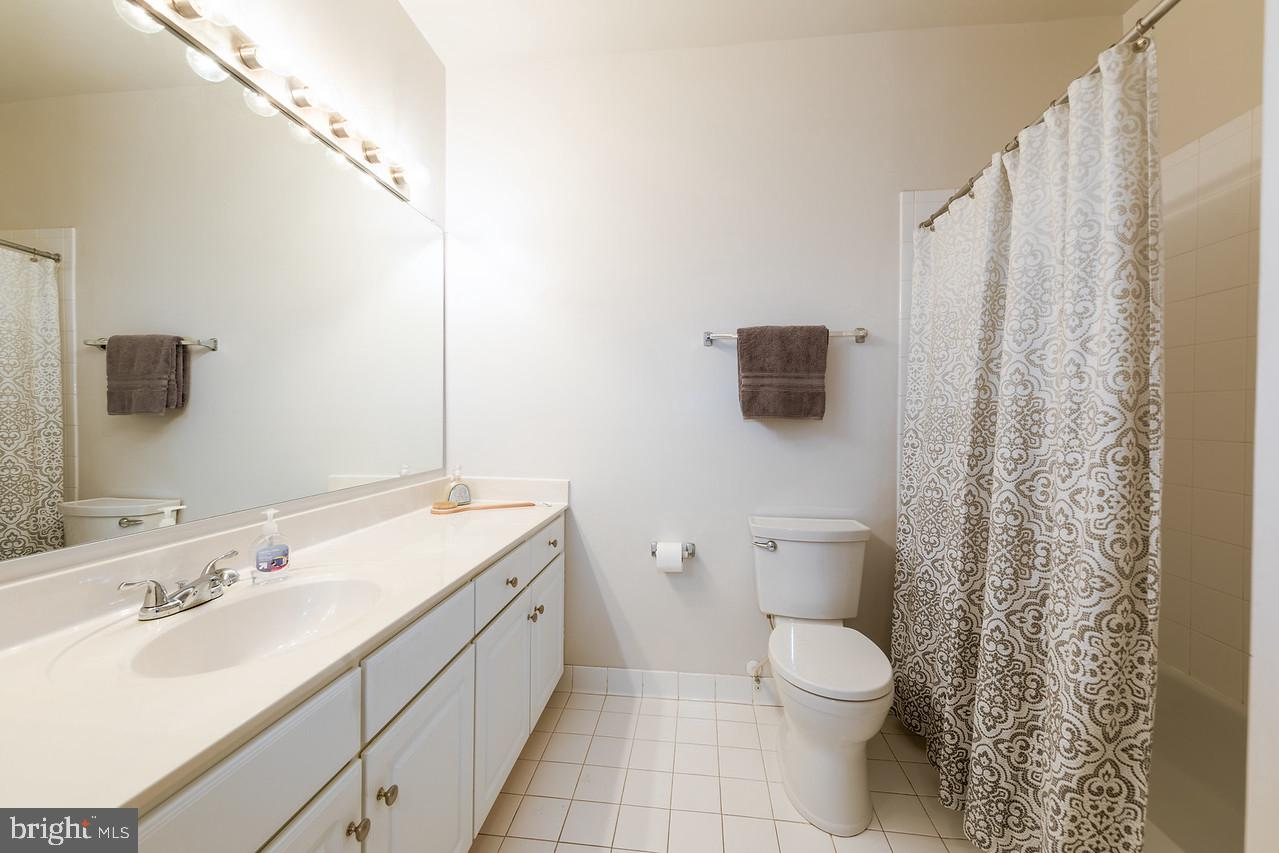 8045 NEWELL STREET, SILVER SPRING, Maryland 20910, 1 Bedroom Bedrooms, ,1 BathroomBathrooms,Condominium,For Sale,8045 NEWELL STREET,MDMC754596