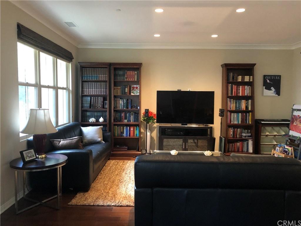 243 Mayfair, Irvine, California 92620, 2 Bedrooms Bedrooms, ,3 BathroomsBathrooms,Condominium,For Sale,243 Mayfair,OC21054703