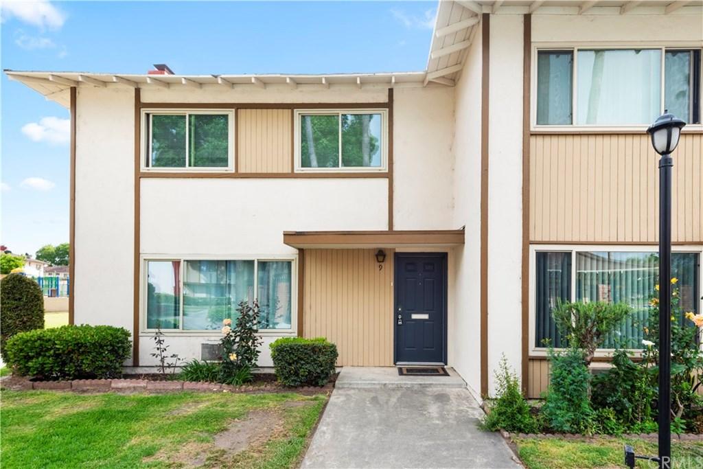 1722 Mitchell Avenue, Tustin, California 92780, 3 Bedrooms Bedrooms, ,2 BathroomsBathrooms,Condominium,For Sale,1722 Mitchell Avenue,2,OC21085440
