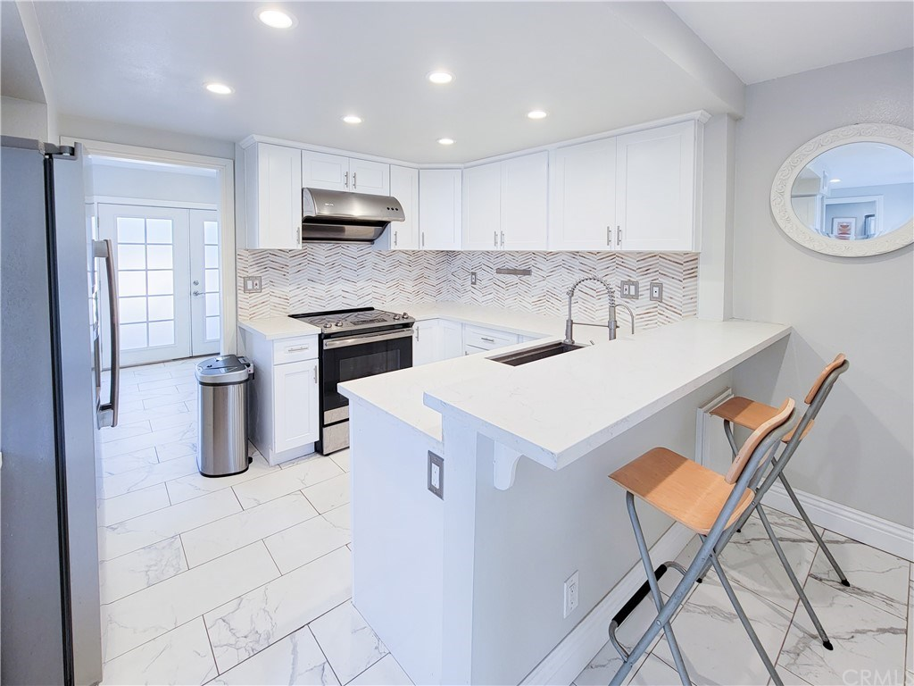 22 Ashbrook, Irvine, California 92604, 4 Bedrooms Bedrooms, ,3 BathroomsBathrooms,Townhouse,For Sale,22 Ashbrook,2,OC21077199