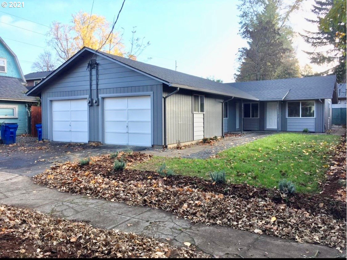 1007 W 23RD ST, Vancouver, Washington 98660, ,Multifamily,For Sale,1007 W 23RD ST,1,21063570