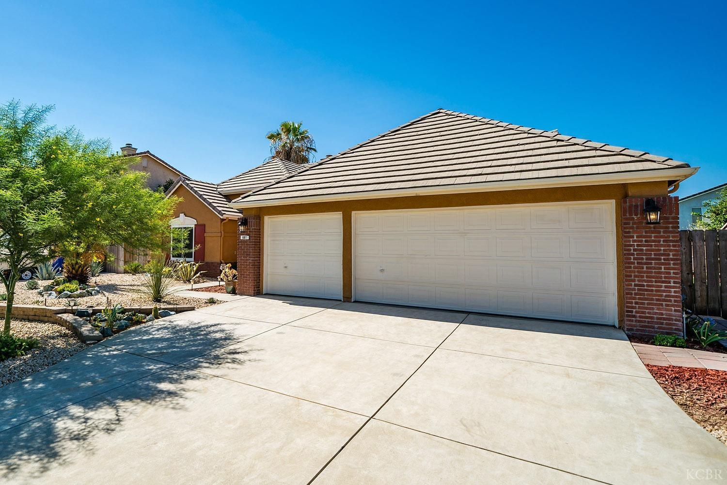 607 Brentwood Drive, LEMOORE, California 93245, 3 Bedrooms Bedrooms, ,2 BathroomsBathrooms,Single Family,For Sale,607 Brentwood Drive,1,210542