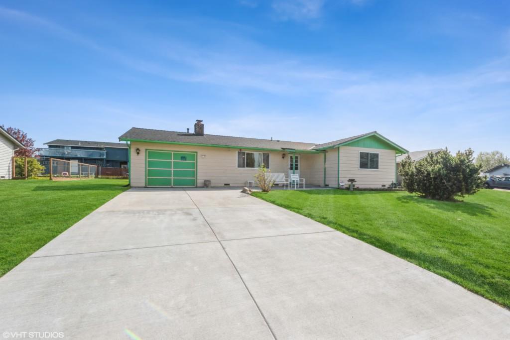 2416 Carpenter St, Mount Vernon, Washington 98274, 3 Bedrooms Bedrooms, ,2 BathroomsBathrooms,Single Family,For Sale,2416 Carpenter St,1,1762176
