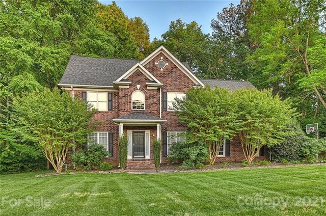 2045 Caernarfon Lane, Matthews, North Carolina 28104-0613, 3 Bedrooms Bedrooms, ,3 BathroomsBathrooms,Single Family,For Sale,2045 Caernarfon Lane,2,3723663