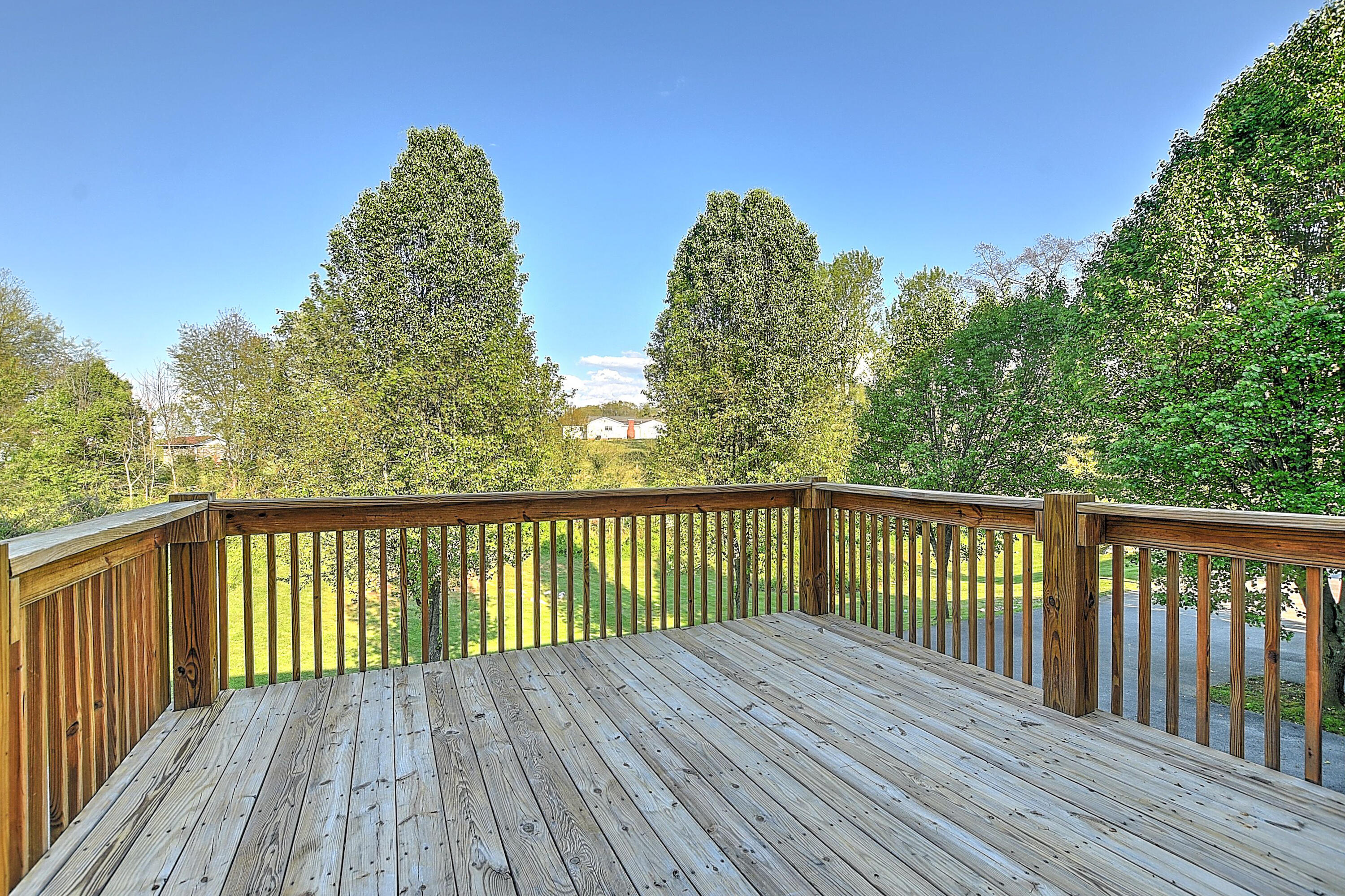 152 Gray Station Road, Gray, Tennessee 37615, 2 Bedrooms Bedrooms, ,2 BathroomsBathrooms,Condominium,For Sale,152 Gray Station Road,3,9921645