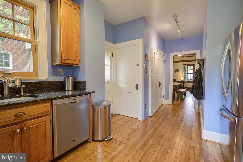 1014 ELM AVE, TAKOMA PARK, Maryland 20912, 3 Bedrooms Bedrooms, ,2 BathroomsBathrooms,Single Family,For Sale,1014 ELM AVE,MDMC747478