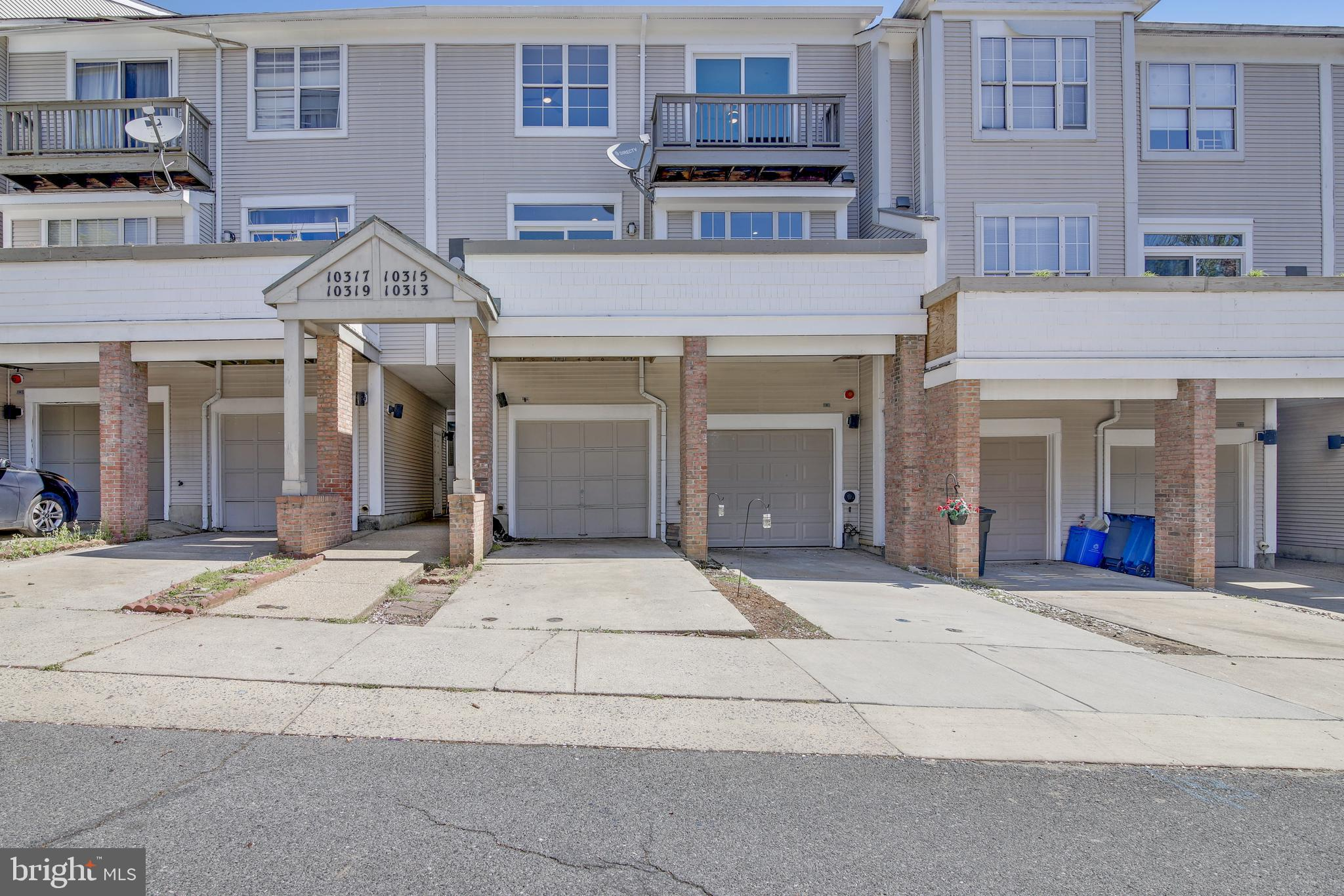 10313 ROYAL WOODS CT., GAITHERSBURG, Maryland 20886, 3 Bedrooms Bedrooms, ,3 BathroomsBathrooms,Townhouse,For Sale,10313 ROYAL WOODS CT.,MDMC753904