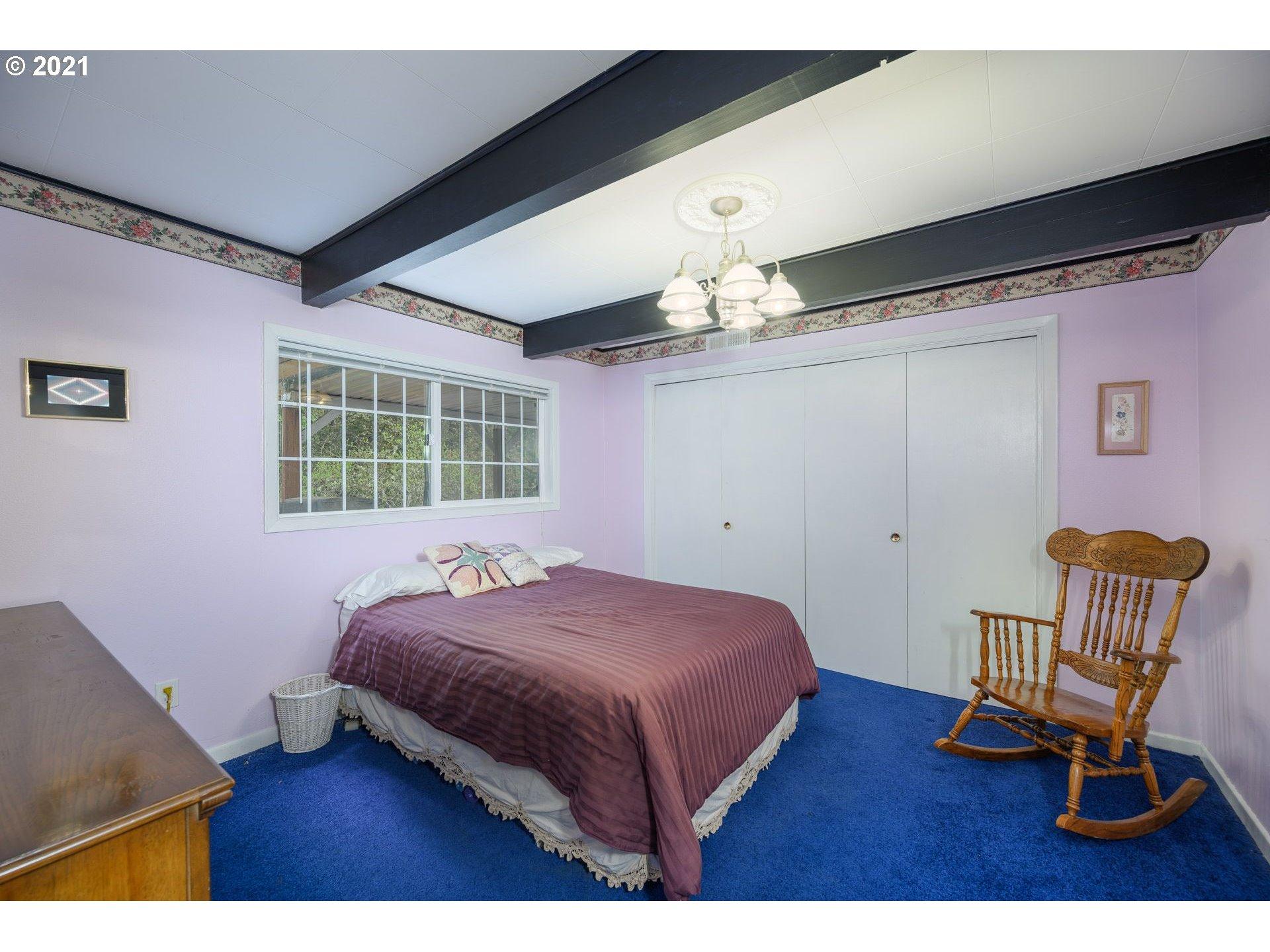240 SW DANIELS ST, McMinnville, Oregon 97128, 4 Bedrooms Bedrooms, ,2 BathroomsBathrooms,Single Family,For Sale,240 SW DANIELS ST,2,21646344