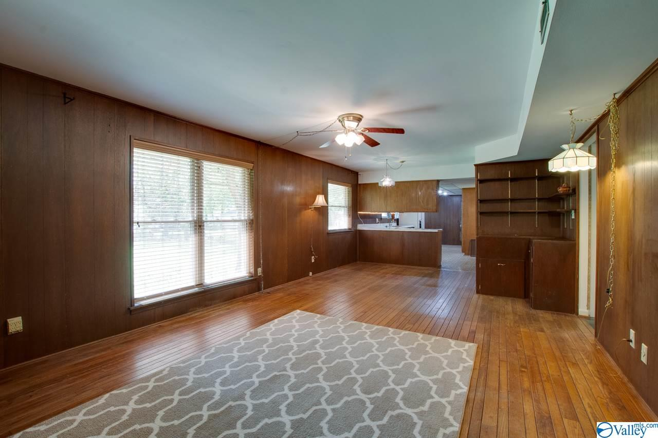 HUNTSVILLE, Alabama 35801, 3 Bedrooms Bedrooms, ,2 BathroomsBathrooms,Single Family,For Sale,1779702