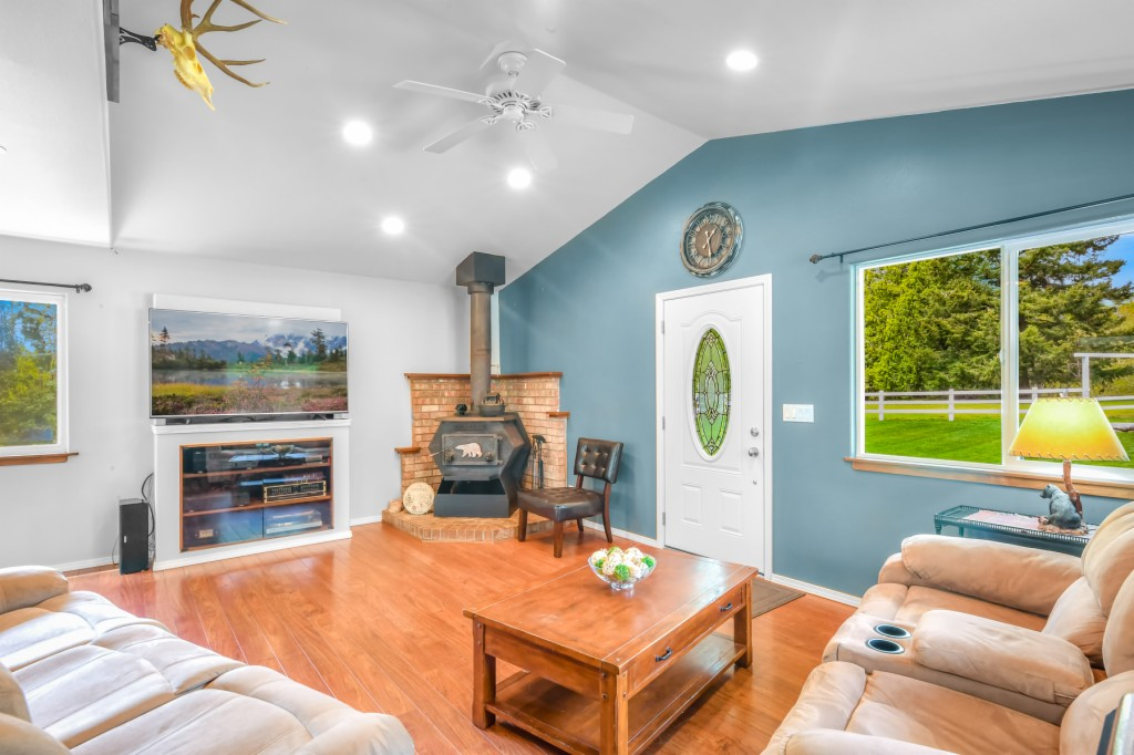 24221 Martin Road, Sedro Woolley, Washington 98284, 3 Bedrooms Bedrooms, ,3 BathroomsBathrooms,Single Family,For Sale,24221 Martin Road,2,1763928