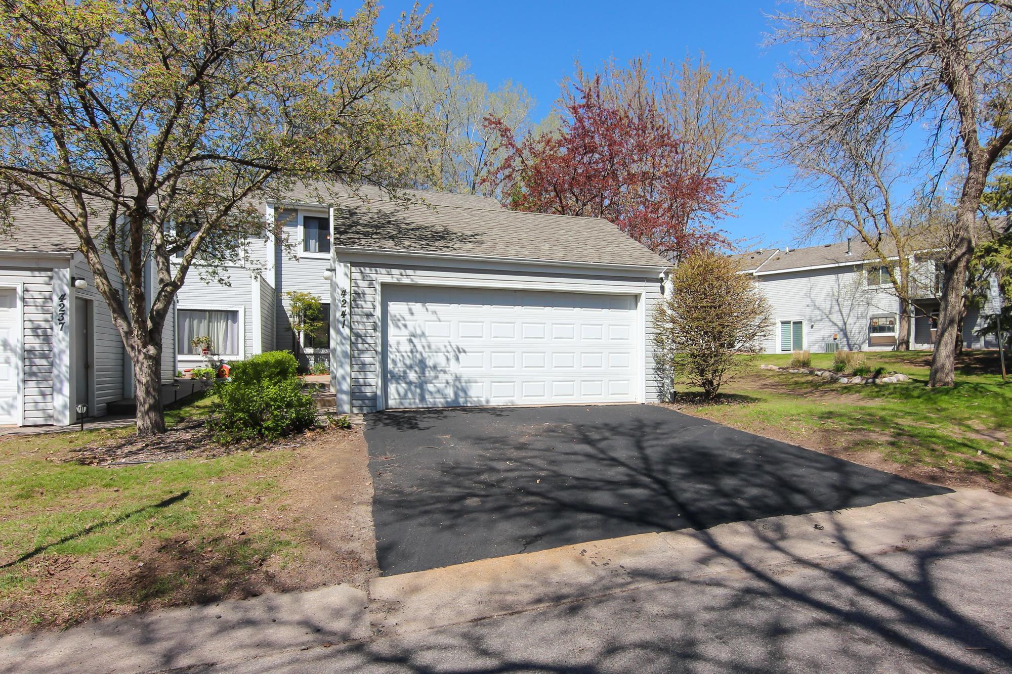 4241 Sylvia Lane N, Shoreview, Minnesota 55126, 2 Bedrooms Bedrooms, ,2 BathroomsBathrooms,Townhouse,For Sale,4241 Sylvia Lane N,5749833