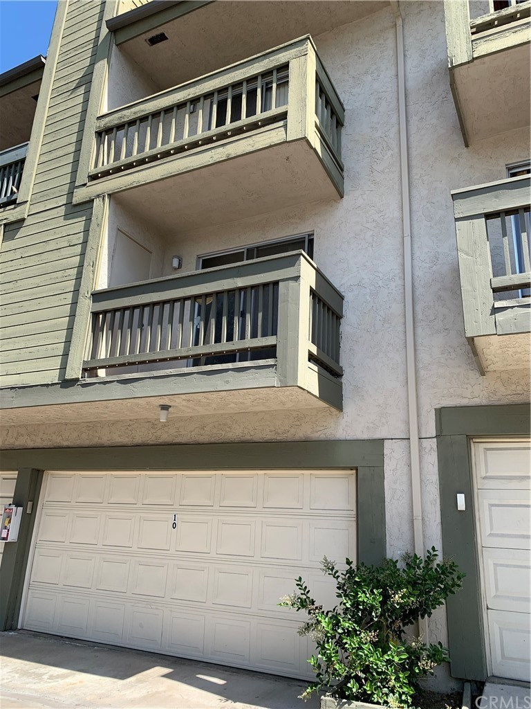 3912 60th Street, San Diego, California 92115, 3 Bedrooms Bedrooms, ,3 BathroomsBathrooms,Townhouse,For Sale,3912 60th Street,3,IV21085691