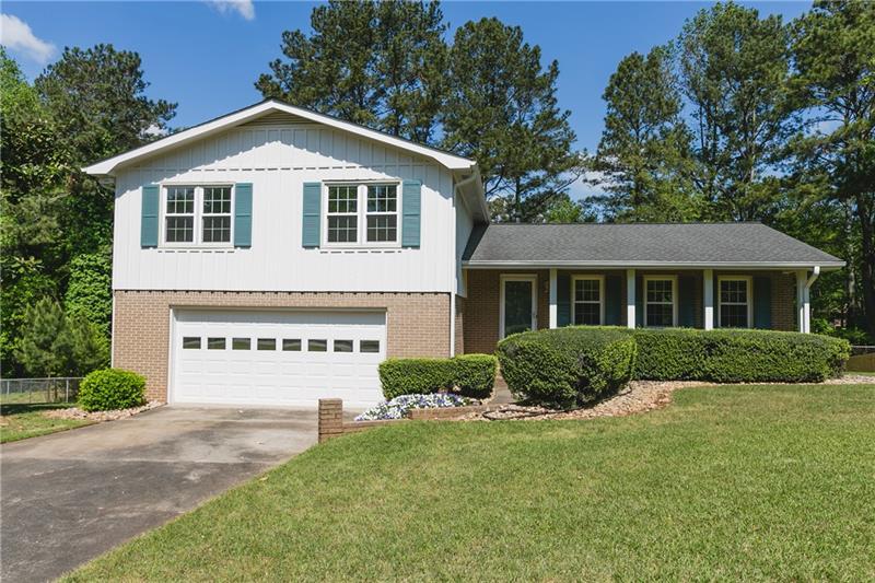 350 Wavetree Drive, Roswell, Georgia 30075, 4 Bedrooms Bedrooms, ,3 BathroomsBathrooms,Single Family,For Sale,350 Wavetree Drive,6872488