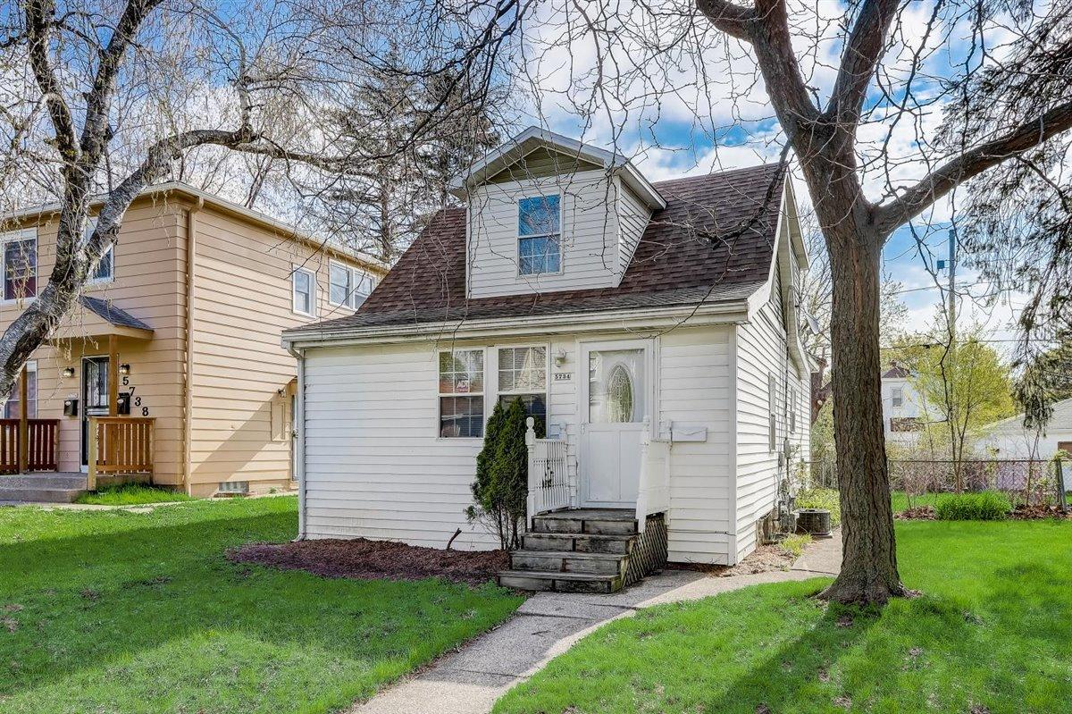 5734 N 37th St, Milwaukee, Wisconsin 53209, 2 Bedrooms Bedrooms, ,2 BathroomsBathrooms,Single Family,For Sale,5734 N 37th St,1.5,1738840