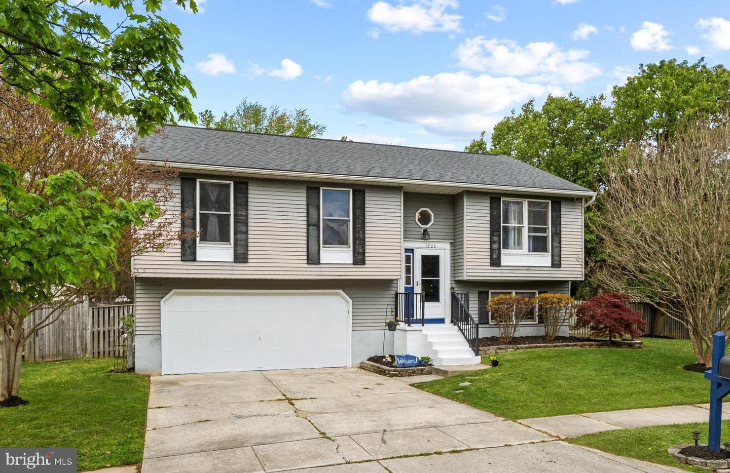 1300 SOMERSET RD, SEVERN, Maryland 21144, 3 Bedrooms Bedrooms, ,3 BathroomsBathrooms,Single Family,For Sale,1300 SOMERSET RD,MDAA465876