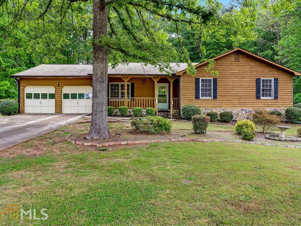 209 Robin Ln, Stockbridge, Georgia 30281-1791, 3 Bedrooms Bedrooms, ,2 BathroomsBathrooms,Single Family,For Sale,209 Robin Ln,1,8970385