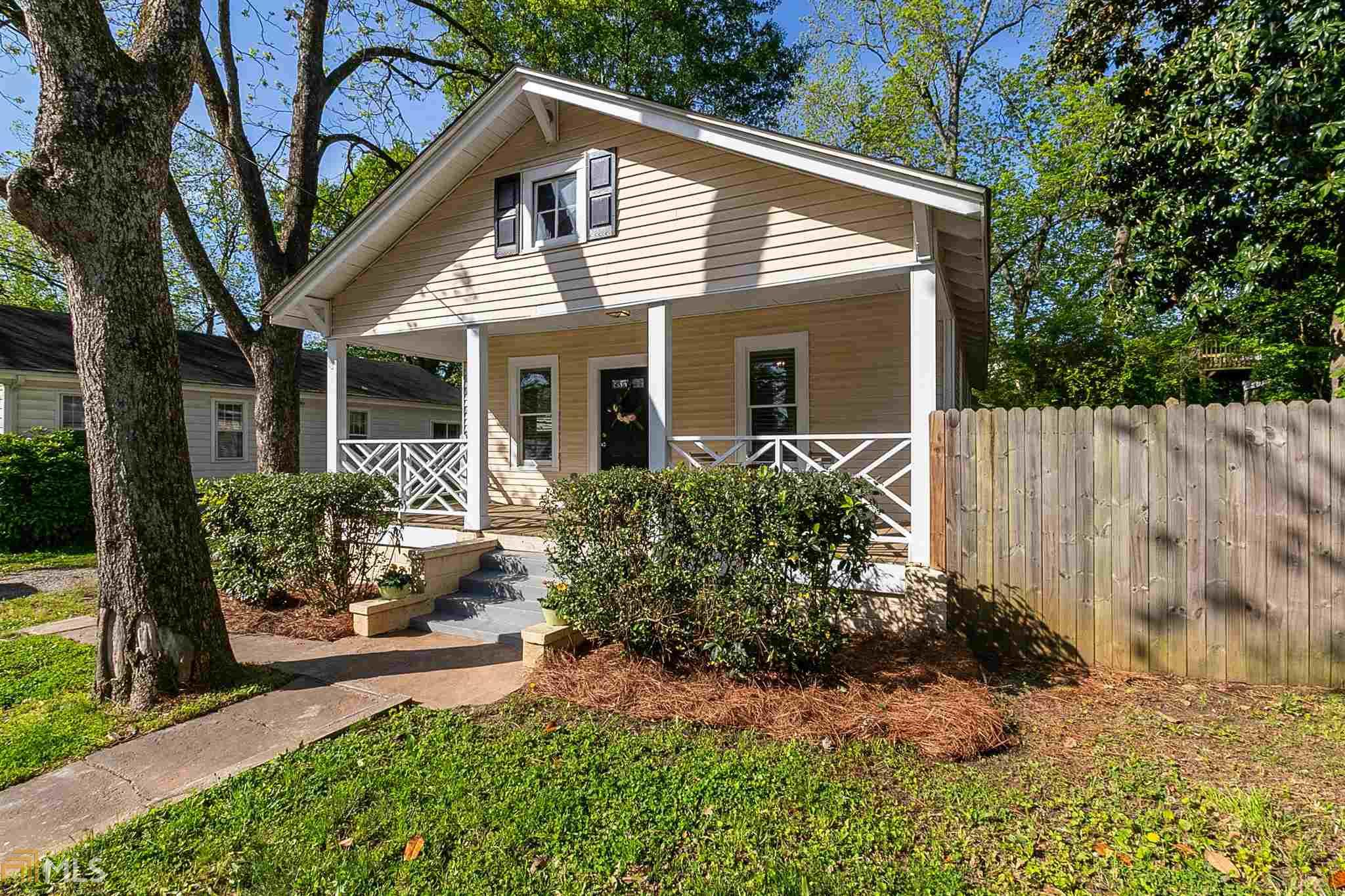 145 Church St, Buford, Georgia 30518, 2 Bedrooms Bedrooms, ,1 BathroomBathrooms,Single Family,For Sale,145 Church St,1,8970493