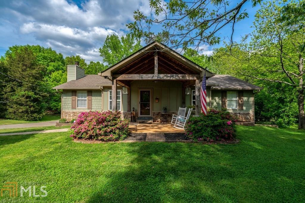 2099 Prospect Rd, Lawrenceville, Georgia 30043, 4 Bedrooms Bedrooms, ,3 BathroomsBathrooms,Single Family,For Sale,2099 Prospect Rd,2,8970168