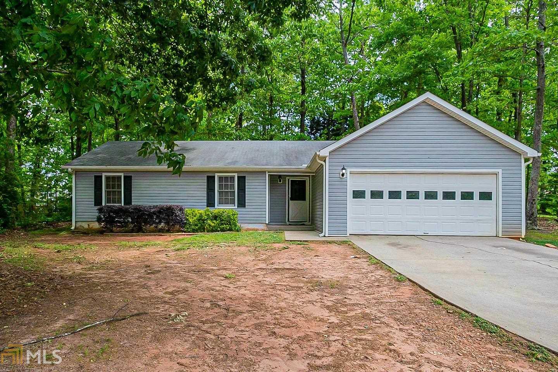 215 Summerfield, McDonough, Georgia 30253, 3 Bedrooms Bedrooms, ,2 BathroomsBathrooms,Single Family,For Sale,215 Summerfield,1,8970974