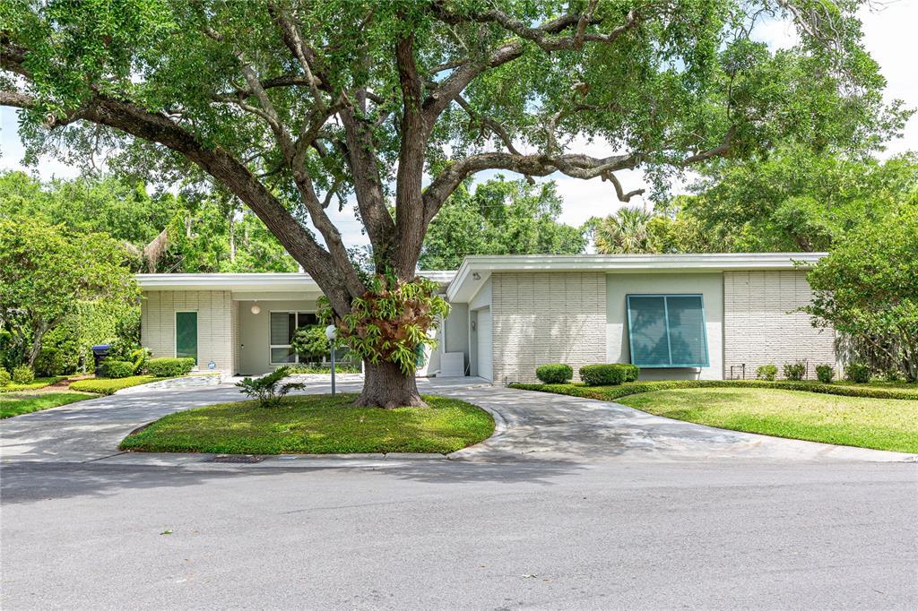 338 BLUE HERON DRIVE, WINTER PARK, Florida 32789, 3 Bedrooms Bedrooms, ,3 BathroomsBathrooms,Single Family,For Sale,338 BLUE HERON DRIVE,1,O5940878