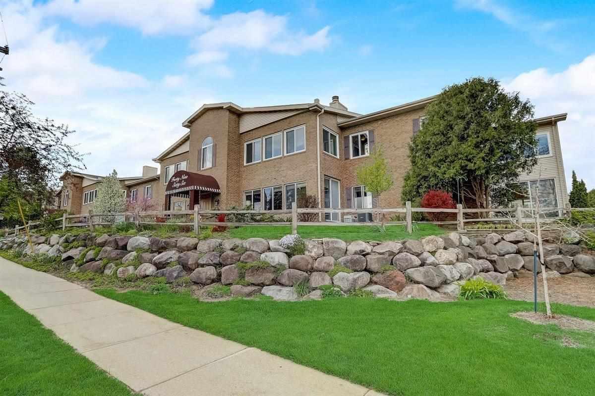 4966 N Sherman Ave, MADISON, Wisconsin 53704, 2 Bedrooms Bedrooms, ,2 BathroomsBathrooms,Condominium,For Sale,4966 N Sherman Ave,1907938