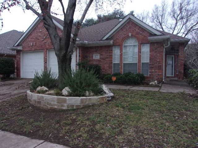 18727 Gibbons Drive, Dallas, Texas 75257, 3 Bedrooms Bedrooms, ,2 BathroomsBathrooms,Single Family,For Sale,18727 Gibbons Drive,1,34787