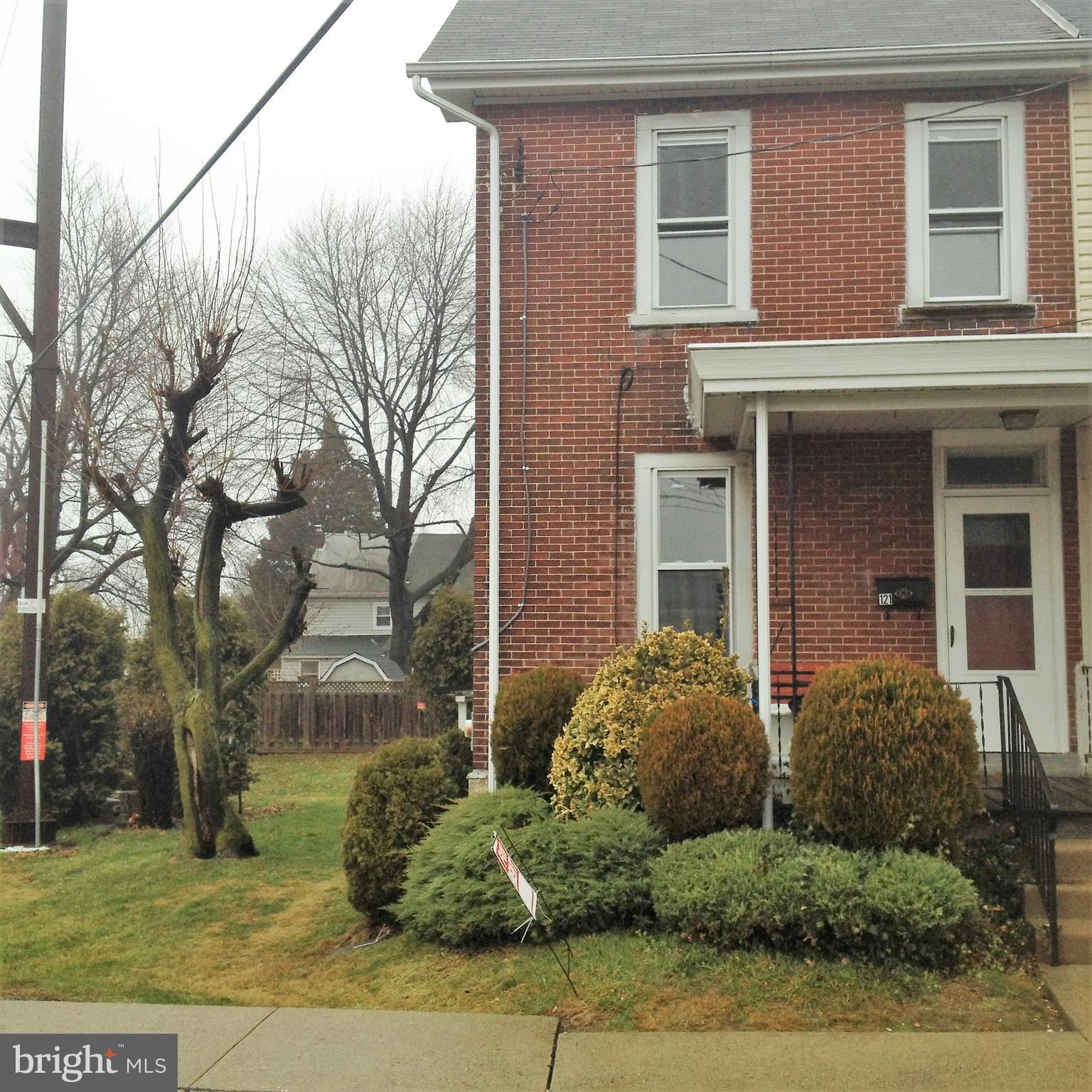 121 S 3RD STREET, NORTH WALES, Pennsylvania 19454, 3 Bedrooms Bedrooms, ,1 BathroomBathrooms,Townhouse,For Sale,121 S 3RD STREET,PAMC691150
