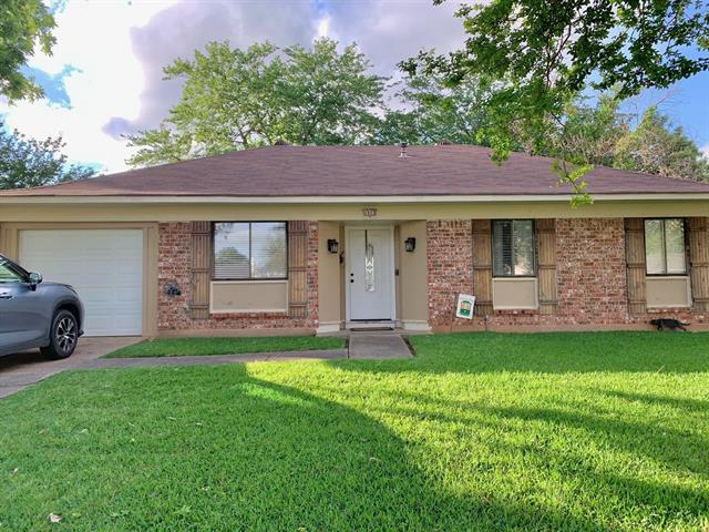 1513 Holiday Place, Bossier City, Louisiana 71112, 3 Bedrooms Bedrooms, ,2 BathroomsBathrooms,Single Family,For Sale,1513 Holiday Place,1,14570724