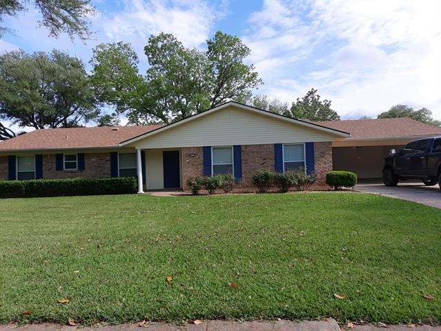 2318 Wesley Circle, Bossier City, Louisiana 71111, 4 Bedrooms Bedrooms, ,2 BathroomsBathrooms,Single Family,For Sale,2318 Wesley Circle,1,14570022