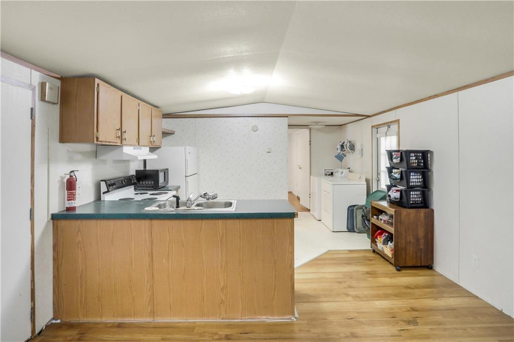 21424 Coyote TRL, Lago Vista, Texas 78645, 3 Bedrooms Bedrooms, ,1 BathroomBathrooms,Residential,For Sale,21424 Coyote TRL,8397034