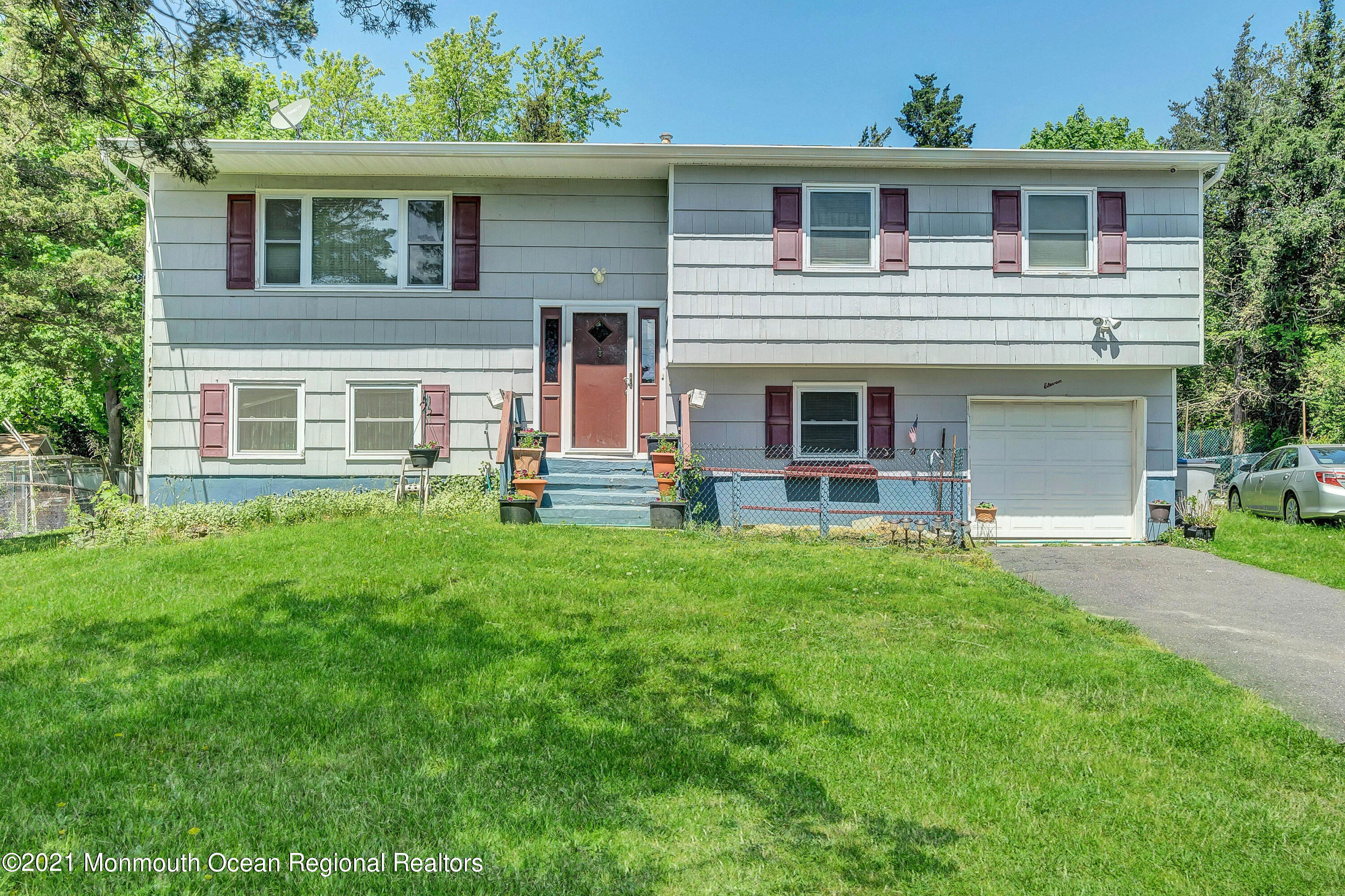 11 Pleasant Court, Toms River, New Jersey 08753, 4 Bedrooms Bedrooms, ,2 BathroomsBathrooms,Single Family,For Sale,11 Pleasant Court,2,22114121