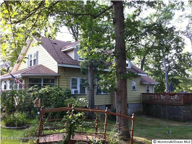 433 Barnegat Avenue, Toms River, New Jersey 08753, 5 Bedrooms Bedrooms, ,2 BathroomsBathrooms,Single Family,For Sale,433 Barnegat Avenue,1.5,22114198