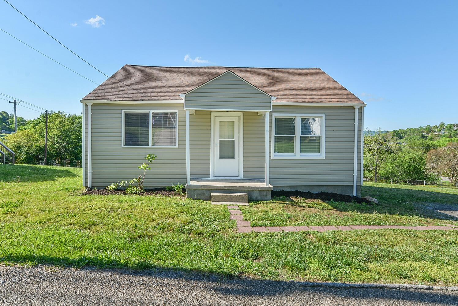 168 Mullins Street, Kingsport, Tennessee 37665, 2 Bedrooms Bedrooms, ,1 BathroomBathrooms,Single Family,For Sale,168 Mullins Street,1,9922182