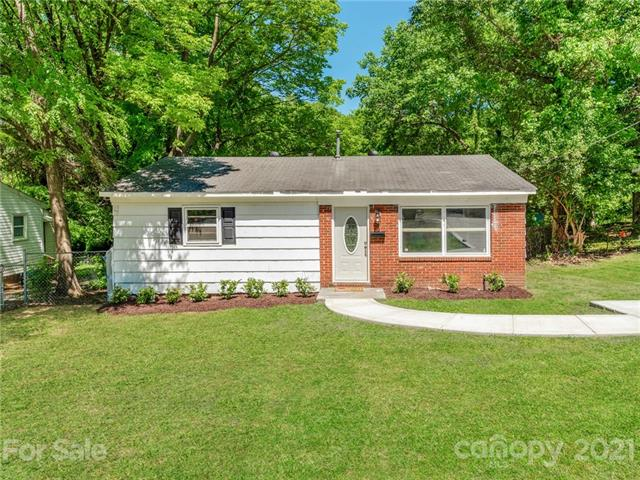 3930 Barlowe Road, Charlotte, North Carolina 28208, 2 Bedrooms Bedrooms, ,1 BathroomBathrooms,Single Family,For Sale,3930 Barlowe Road,3736196